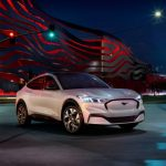 El Ford Mustang Mach-E 2021 puede cargarse rápidamente